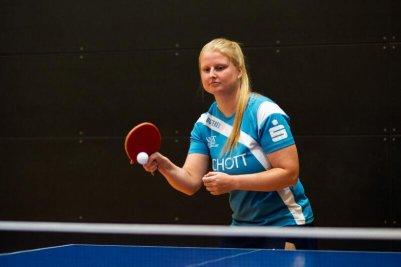 Martina Adamekova schlägt am Samstag mit ihrem Team in Hofstetten auf!